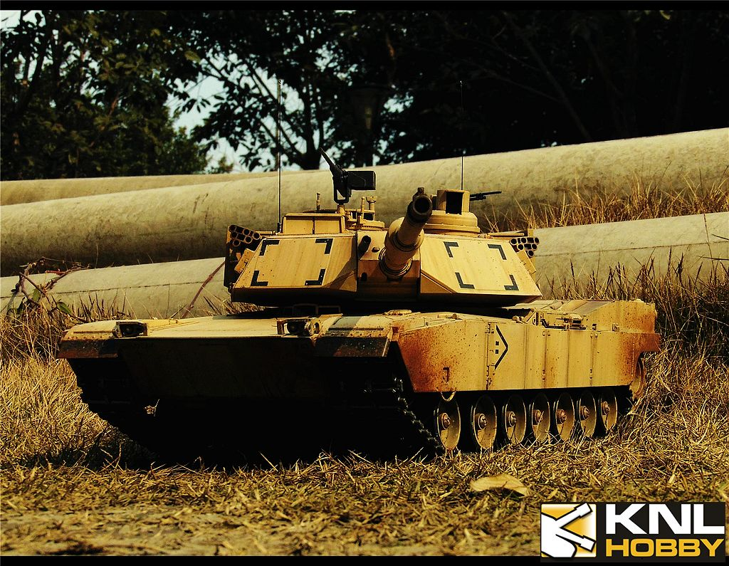 Sand Coating US Army M1A2 Tank KNL HOBBY